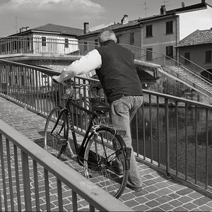up the bridge | Fuji 23mm F2 Asph (X100) <br> Click image for more details, Click <b>X</b> on top right of image to close