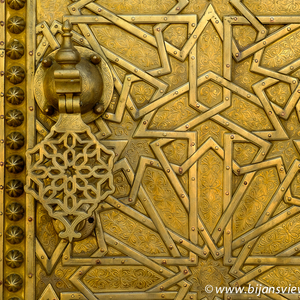 Brass Door with Arabesque Pattern | Fuji 35mm f/1.4