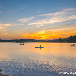 Sunset over Lake Chilisquaque in Pennsylvania | Fuji 14mm f/2.8 <br> Click image for more details, Click <b>X</b> on top right of image to close